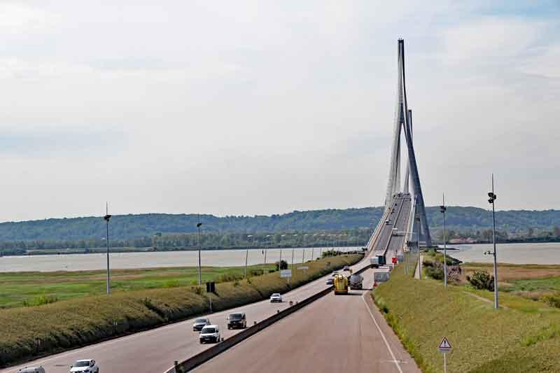 Bild 2 Brücke über die Seine bei Honfleur in der Normandie