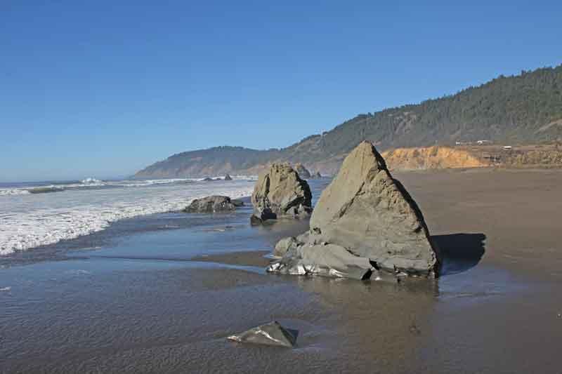 Bild 30 Zwischen den Felsen am Strand