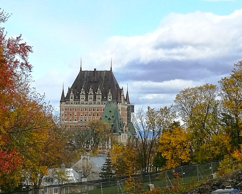 Bild 6 Blick auf das Chateaux