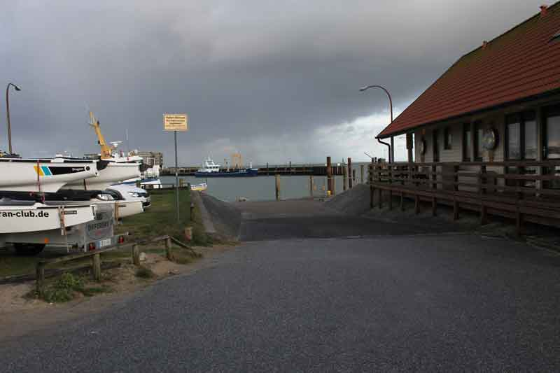 Bild 1 Am Hafen von Hörnum