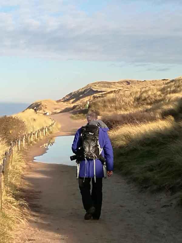 Bild 7 Wanderung durch die Dünen am roten Kliff