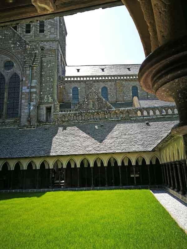 Bild 34 Im Kreuzgang der Abtei Mont-Saint-Michel