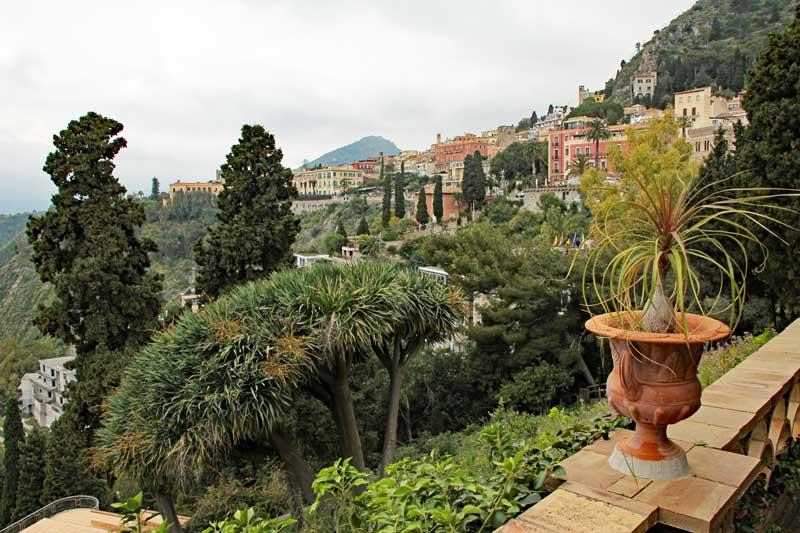 Blick auf Taormina aus dem Stadtpark