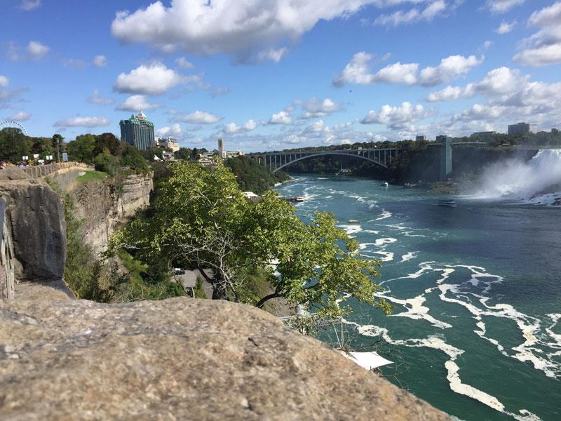 Bild 6 Blick auf die Rainbowbridge, die Canada mit den USA verbindet