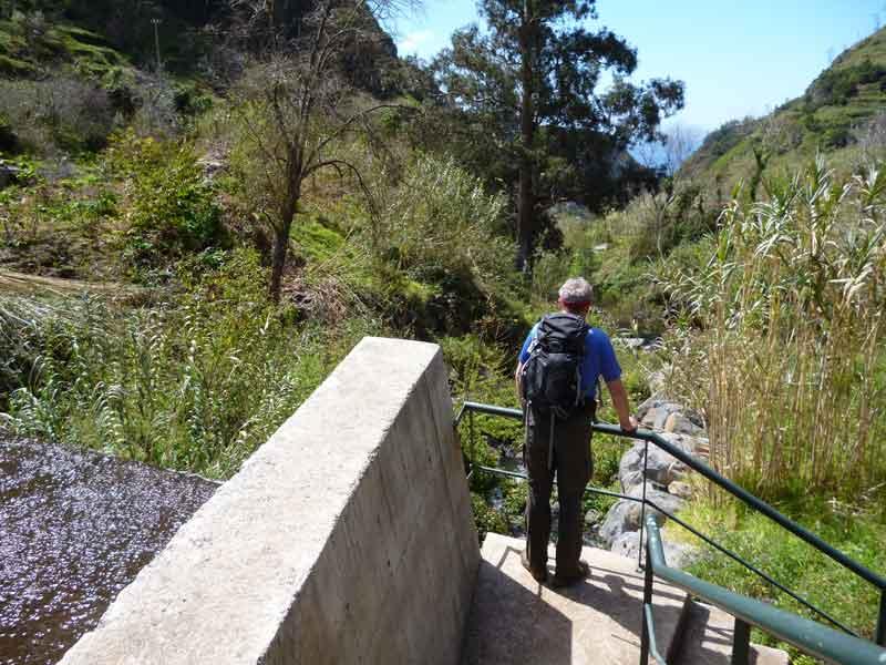 """Bild 3 Levadawanderung, Start oberhalb von """"Ribeira Brava"""""""