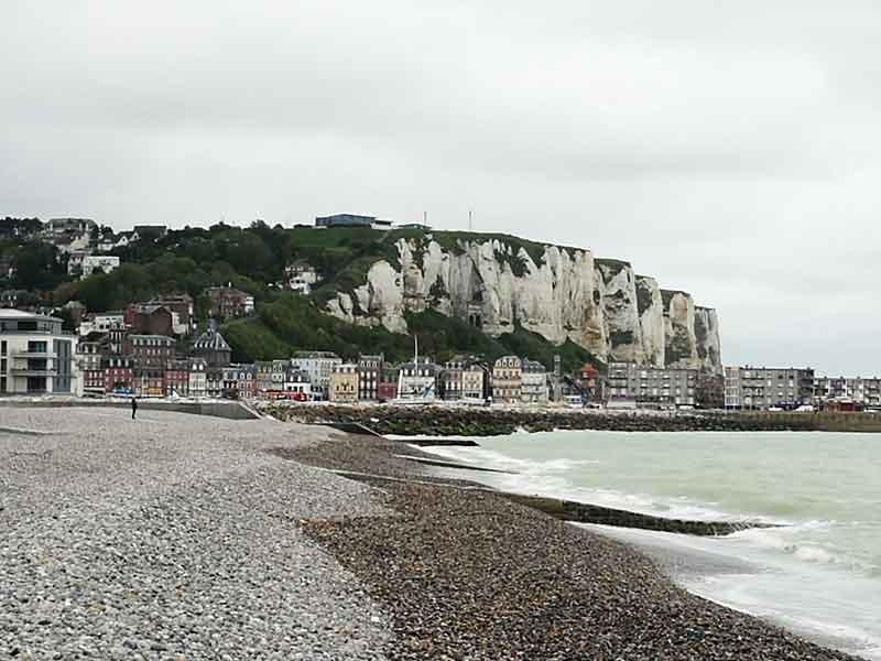 """Bild 14 Blick auf die Küste von """"Le Treport"""""""