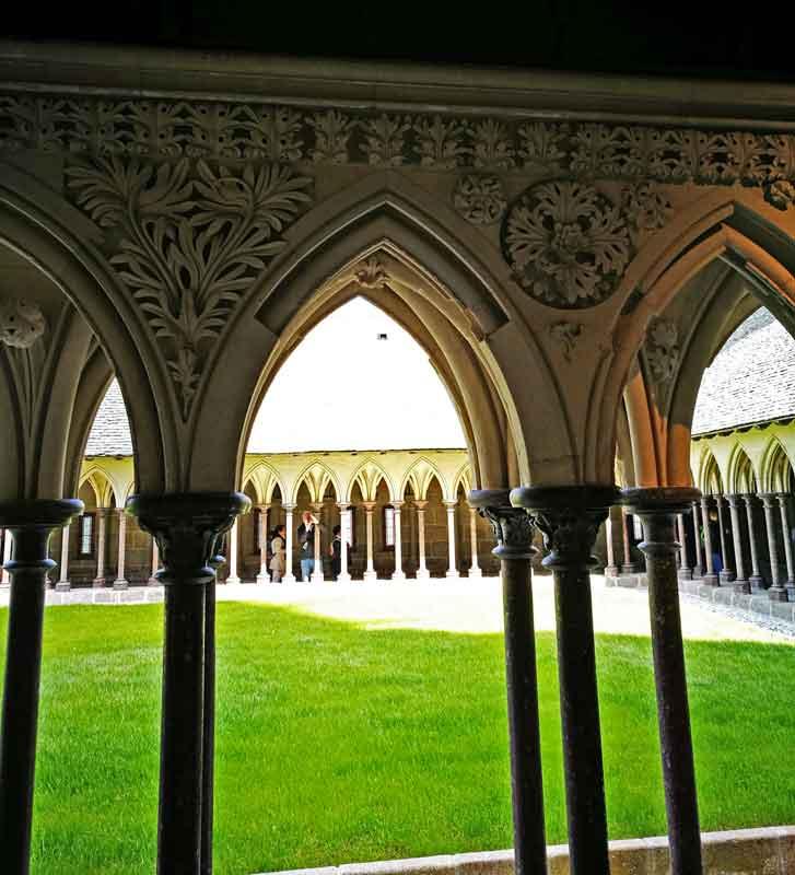 Bild 36 Im Kreuzgang der Abtei Mont-Saint-Michel