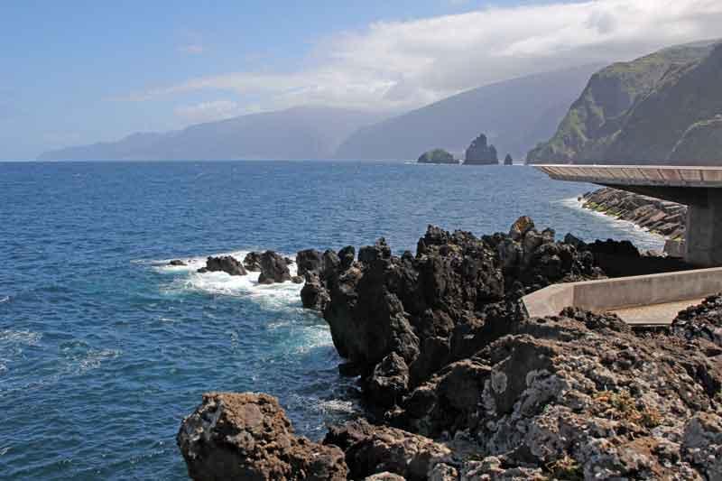 Bild 24 Felsenküste von Porto Moniz