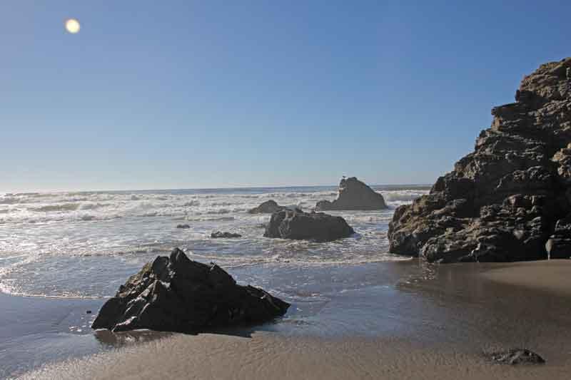 Bild 29 Zwischen den Felsen am Strand