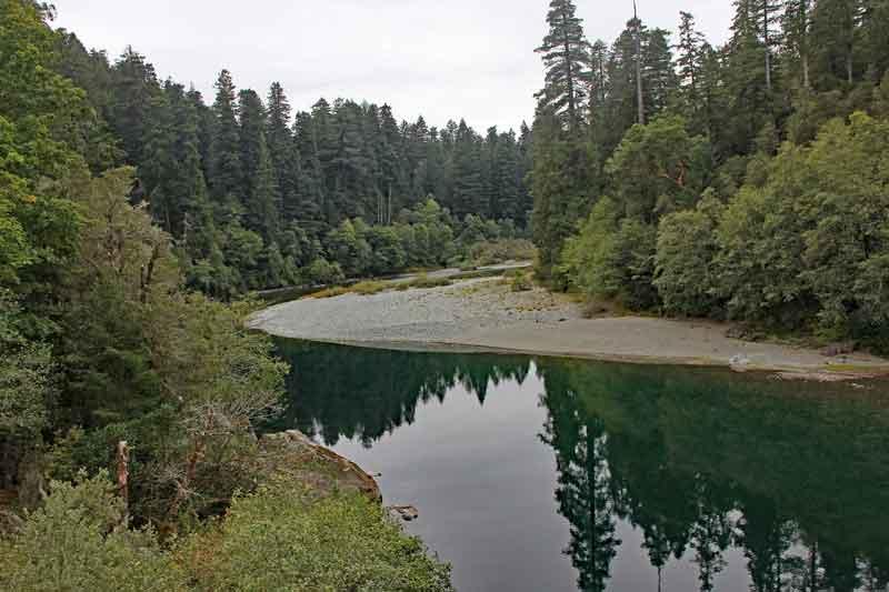 Bild 32 Blick auf den Smith River in den Redwoods auf dem Hiouchi Trail