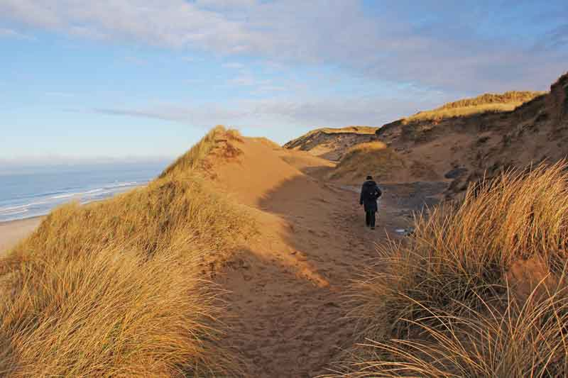 Bild 13 Wanderung durch die Dünen am roten Kliff