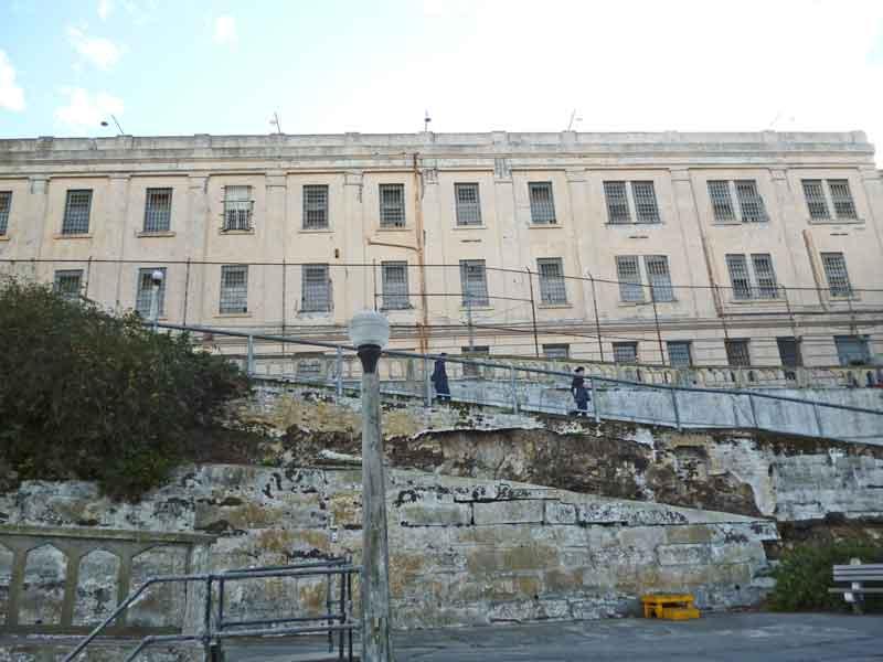 Bild 21 Auf dem Weg Zellentrakt in Alcatraz