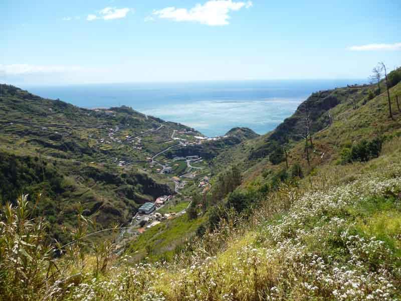 """Bild 9 Ausblick unterwegs bei Levadawanderung, Start oberhalb von """"Ribeira Brava"""""""