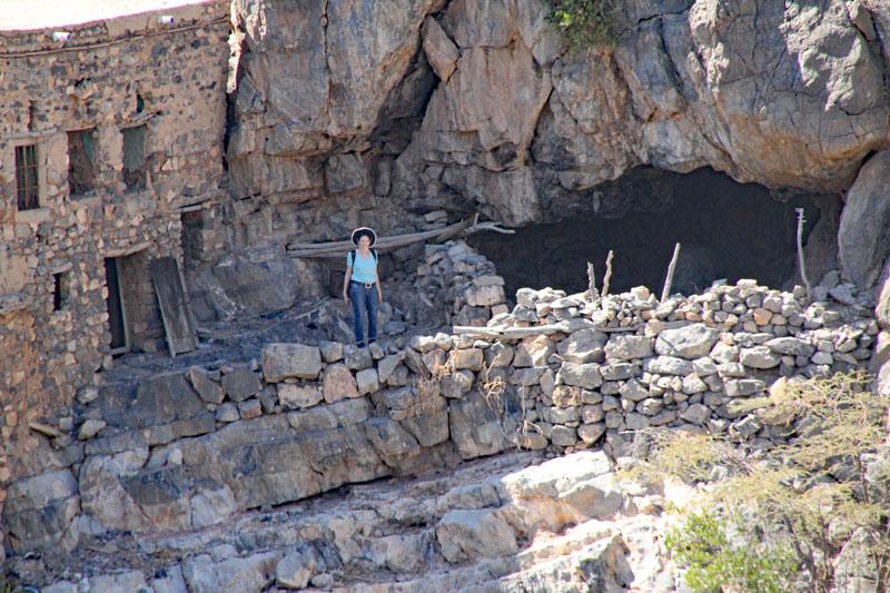 Bild 17 Meine Frau in der verlassenen Stadt im Wadi Habib