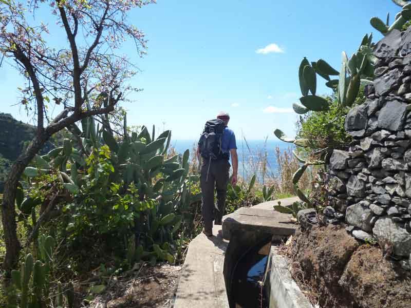"""Bild 2 Levadawanderung, Start oberhalb von """"Ribeira Brava"""""""