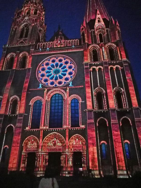 Bild 30 Lightshow auf der Kathedrale in Chartres