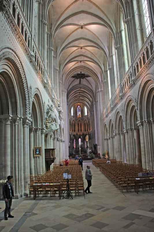 Bild 33 In der Kathedrale von Bayeux