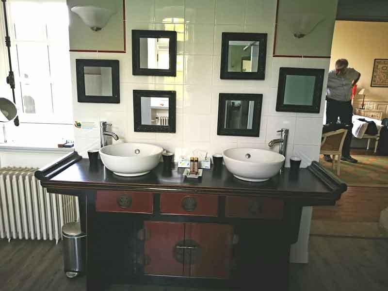 "Bild 19 Unser großes Badezimmer im ""Manoir de la Fieffe"""