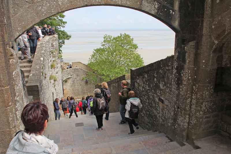 Bild 17 Nach oben zur Abtei von Mont-Saint-Michel