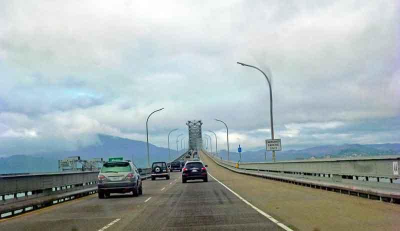 Bild 1 Fahrt über die Richmond San Rafael Bridge in Richtung Tiburon