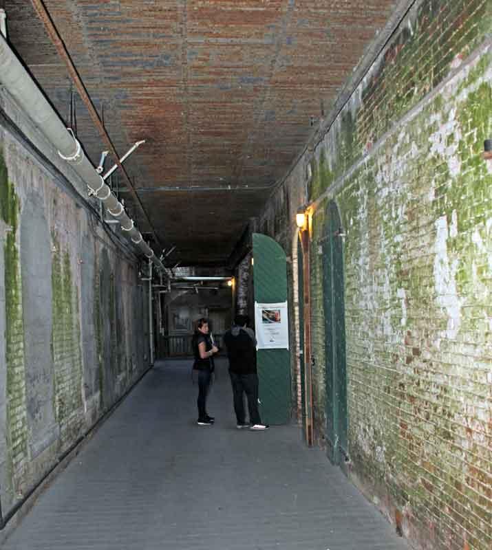 Bild 24 In den Katakomben von Alcatraz