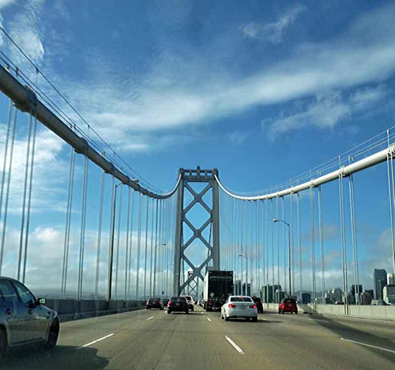 """Bild 1 Über die Bay Bridge geht es nach """"Down town"""" San Francisco"""