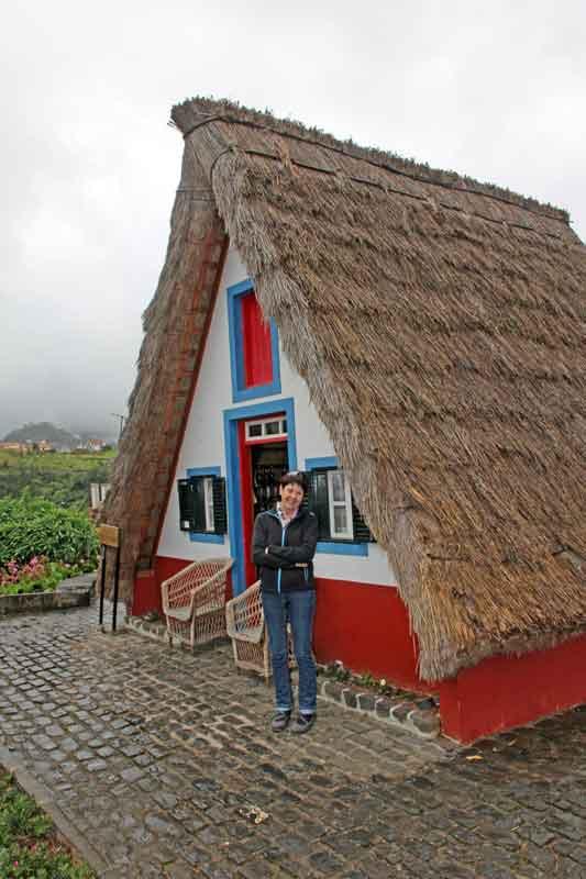 Bild 15 Strohgedeckte Häuser in Santana