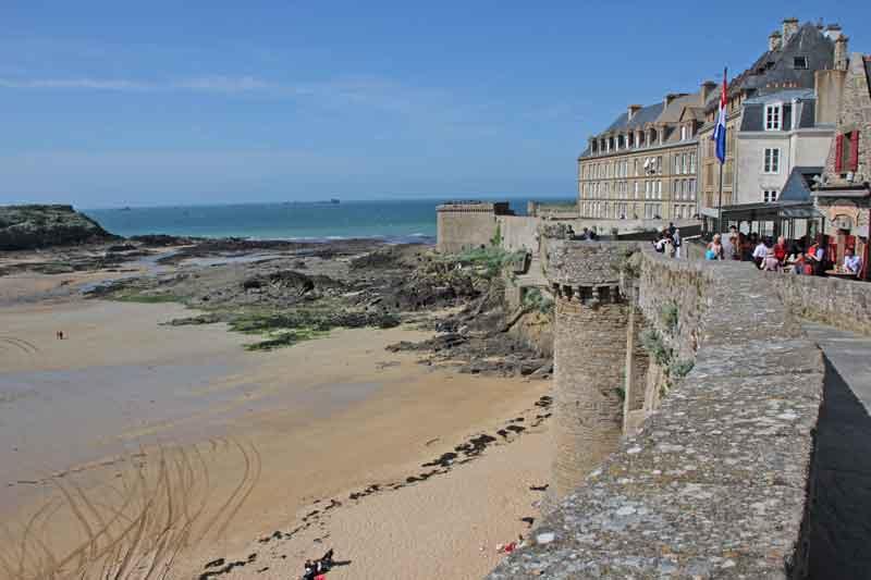 Bild 39 Rundweg um die Altstadt von St. Malo auf der Stadtmauer