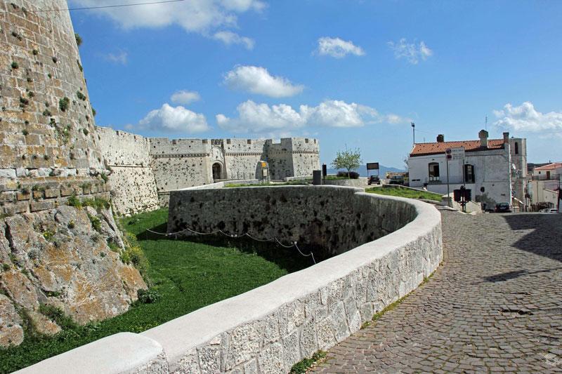 Blick auf das Castello in Monte Sant'Angelo
