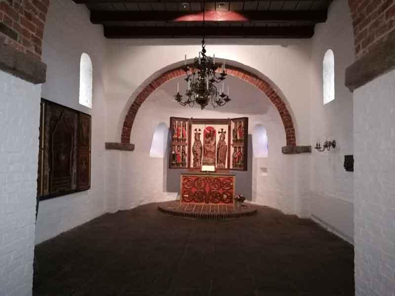 Bild 10 In der Kirche in Morsum
