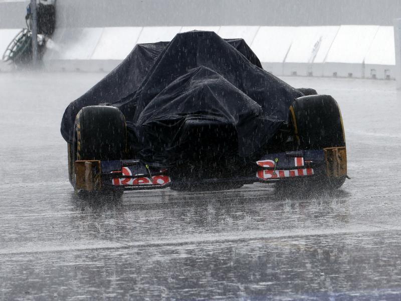 Formel Nass: Am Hockenheimring ging am Tag vor dem Rennen zeitweise nichts mehr. Foto: Jens Büttner