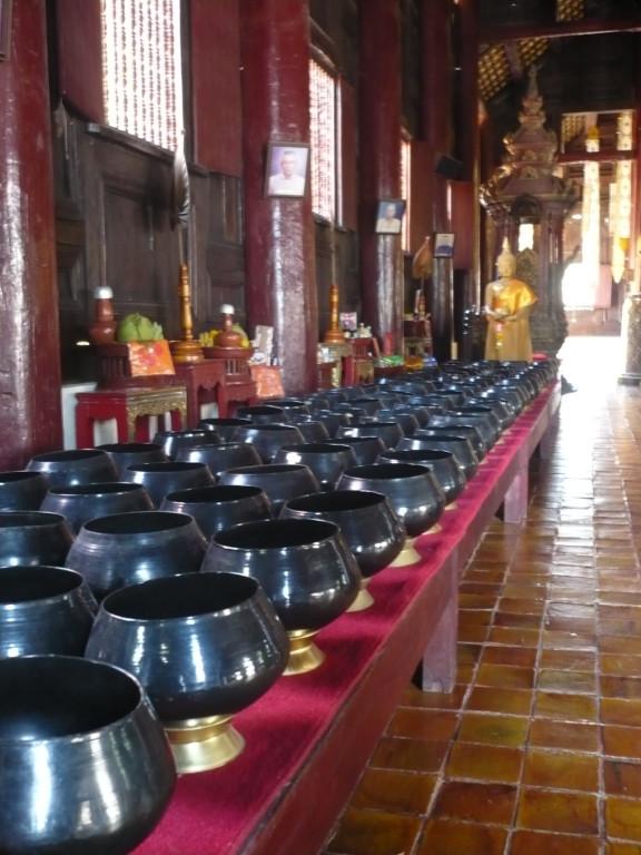 bols à offrandes; Chiang Mai