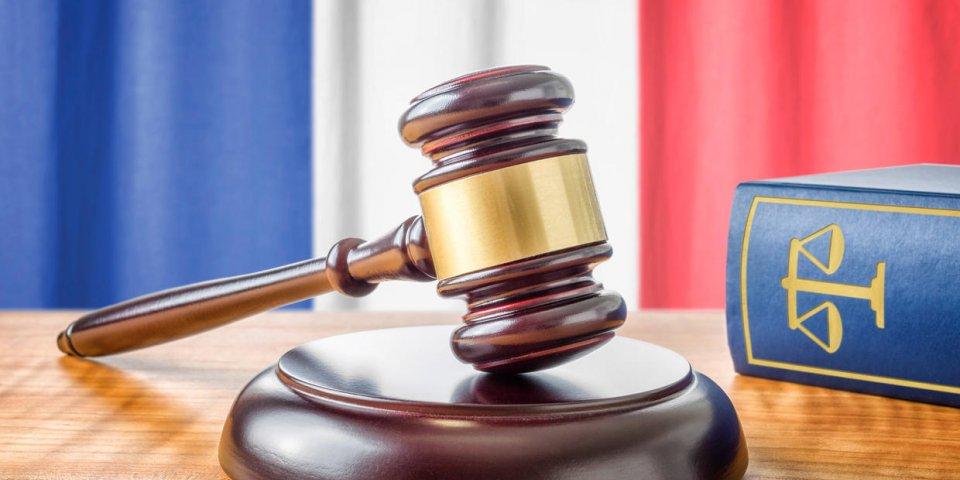 Lois Liberticides COVID 19: Article 1 du Code Civil