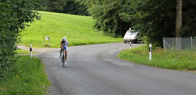 Diesen Berg bin ich schon öfters am Schweizerradmarathon hoch gefahren. Er war mit 18% nicht etwa der steilste Abschnitt...
