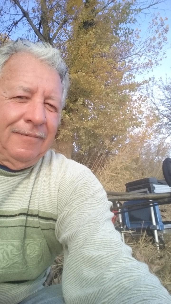 Le Chef à moustache se fait des selfies au lieu de pêcher : 8ème avec 1kg255