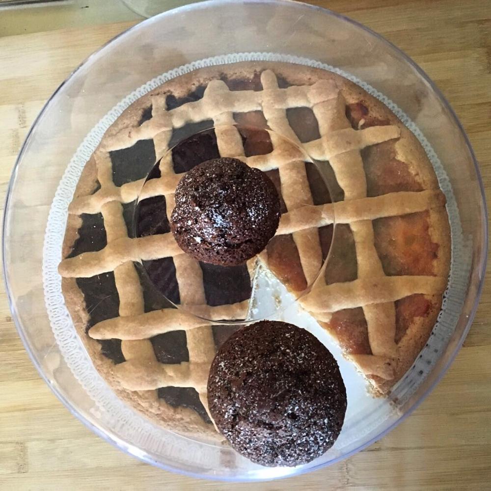 Muffin cioccoloato e menta del giardino officinale e crostata con marmellata con i nostri Chinotti