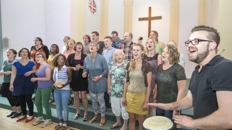 Freude am kraftvollen Singen: der Njabulo-Chor in der Christuskirche. Foto: Jörn Martens