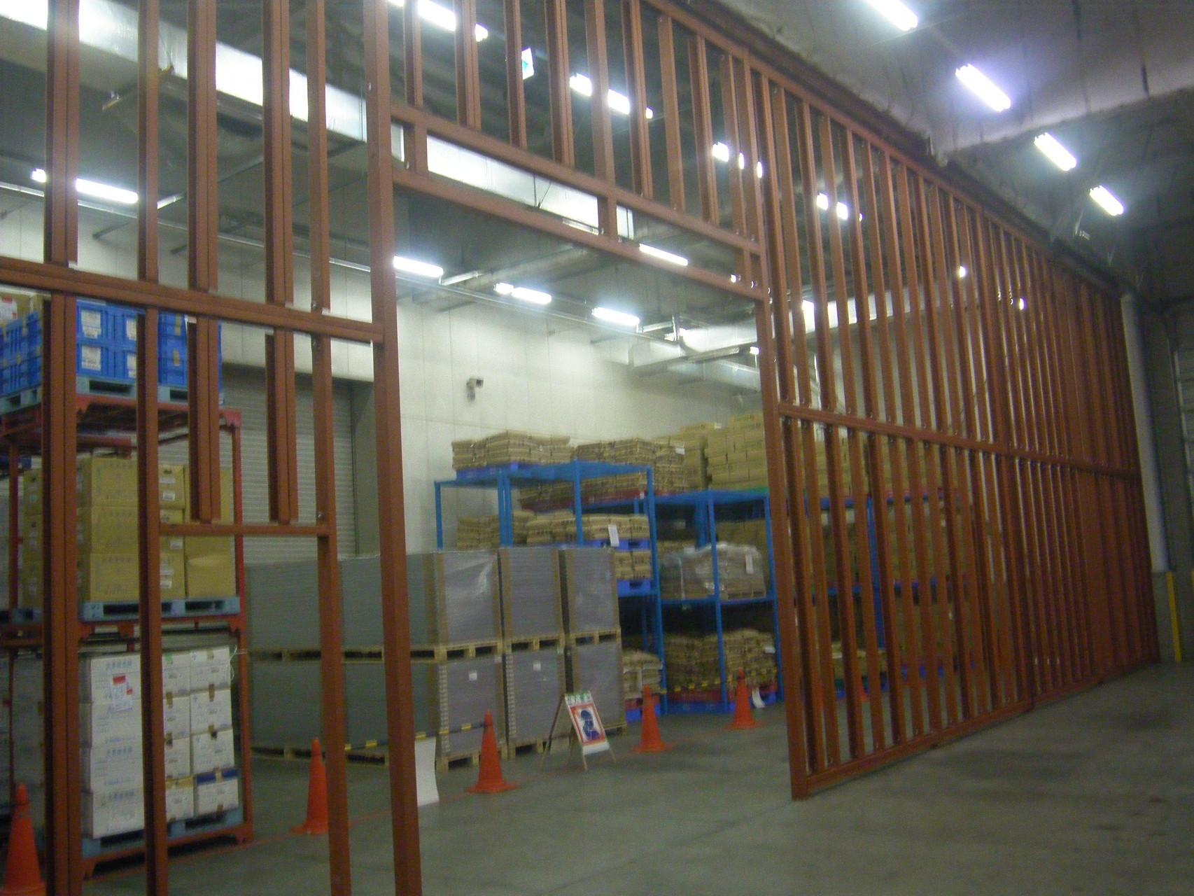 倉庫内間仕切り鉄骨工事:工程写真