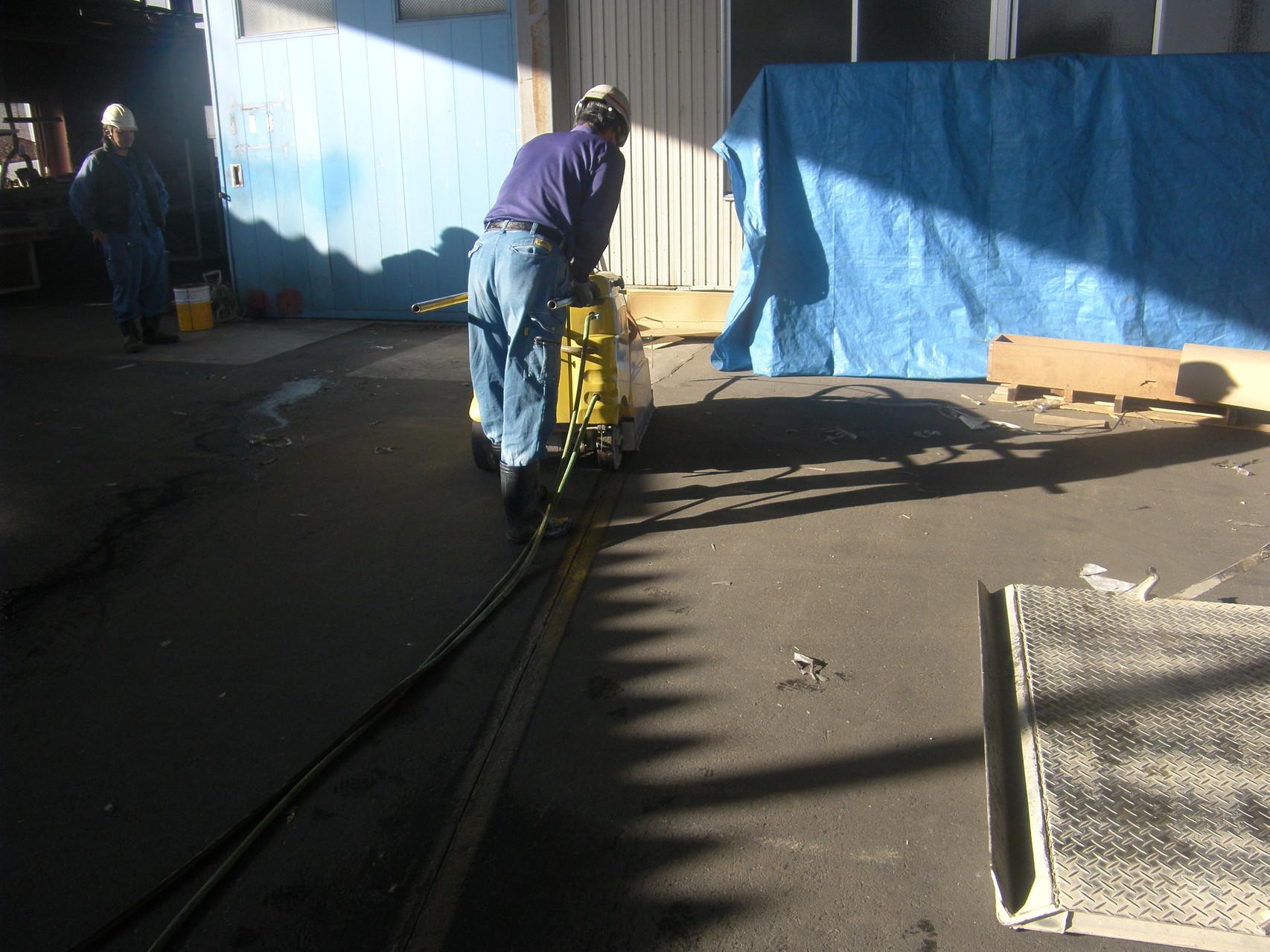 半たわみ性舗装:工程写真