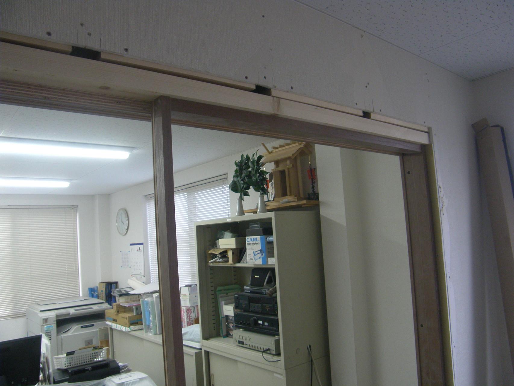 吊り引き戸新設工事:工程写真