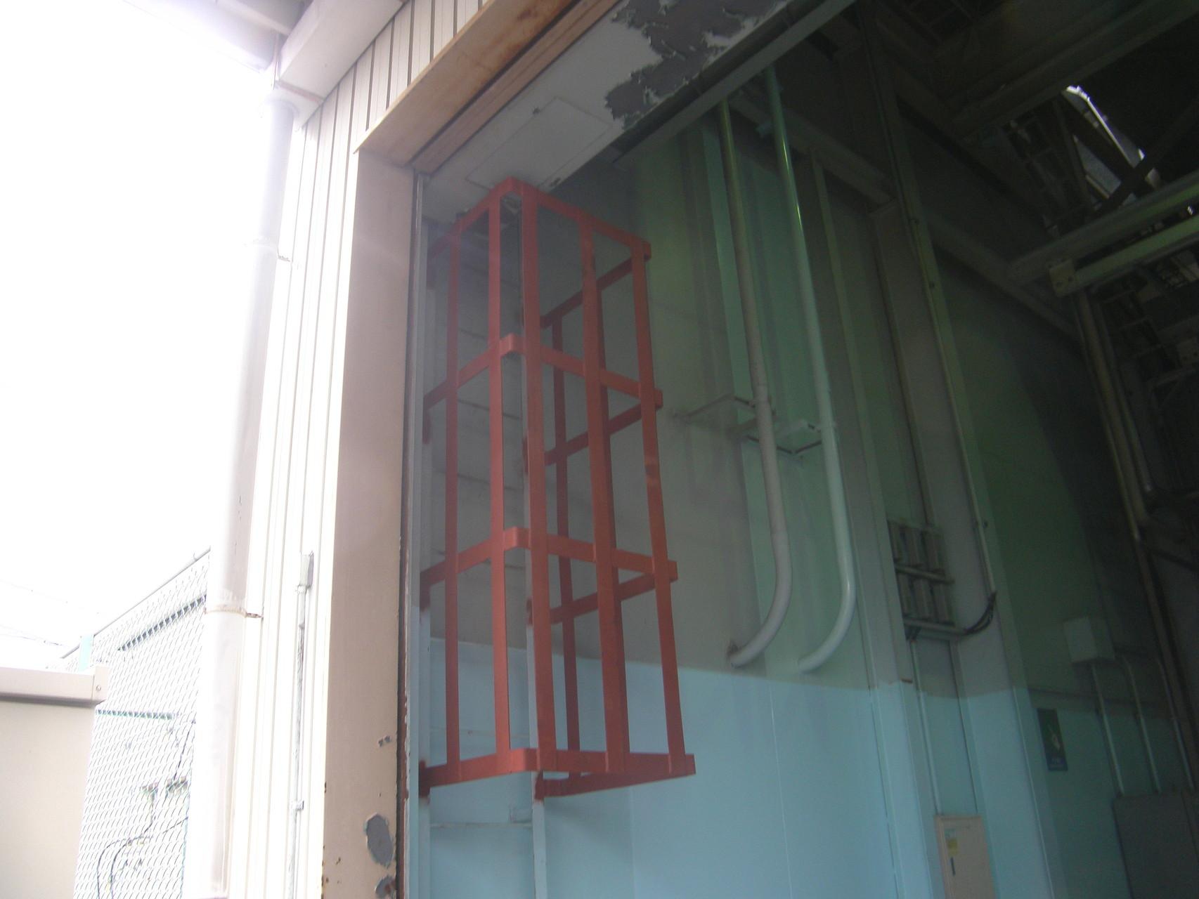 タラップ落下防止柵:工程写真