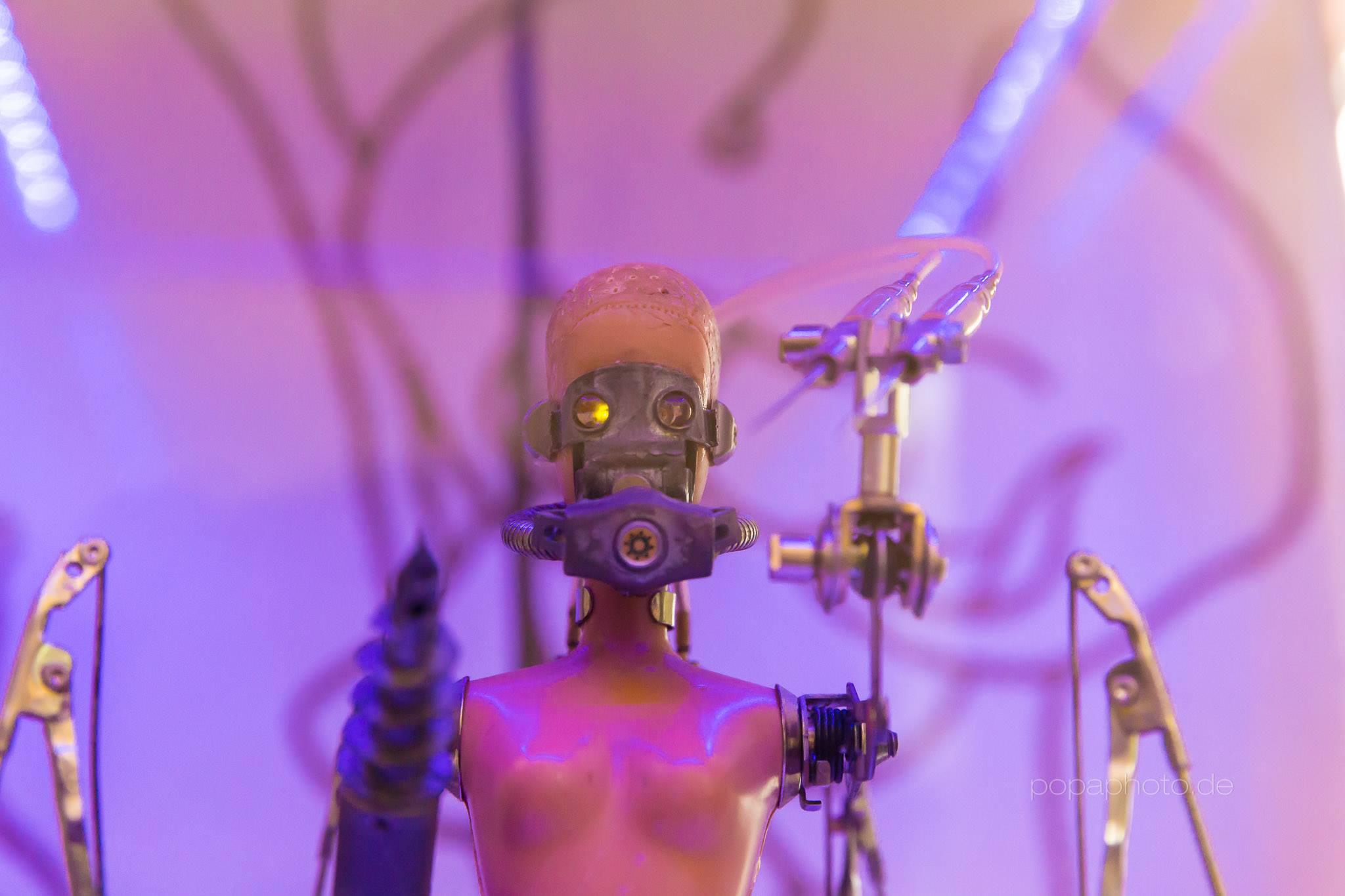"""Andreas Weingärtner """"Vier Welten"""", Peng - Gesellschaft zur Förderung von Design, Kunst und Kommunikation e.V., Serie: """"Reconformed Creatures"""", 2015"""