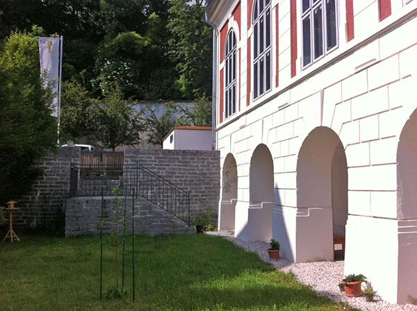 "Seit Anfang April der neue Standort: das ""Buchbinderhaus"", Speiserberg 1/3, 4490 St. Florian"