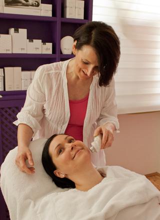 kosmetische Behandlung Cosmetik Heidi Schwaiger Salzburg