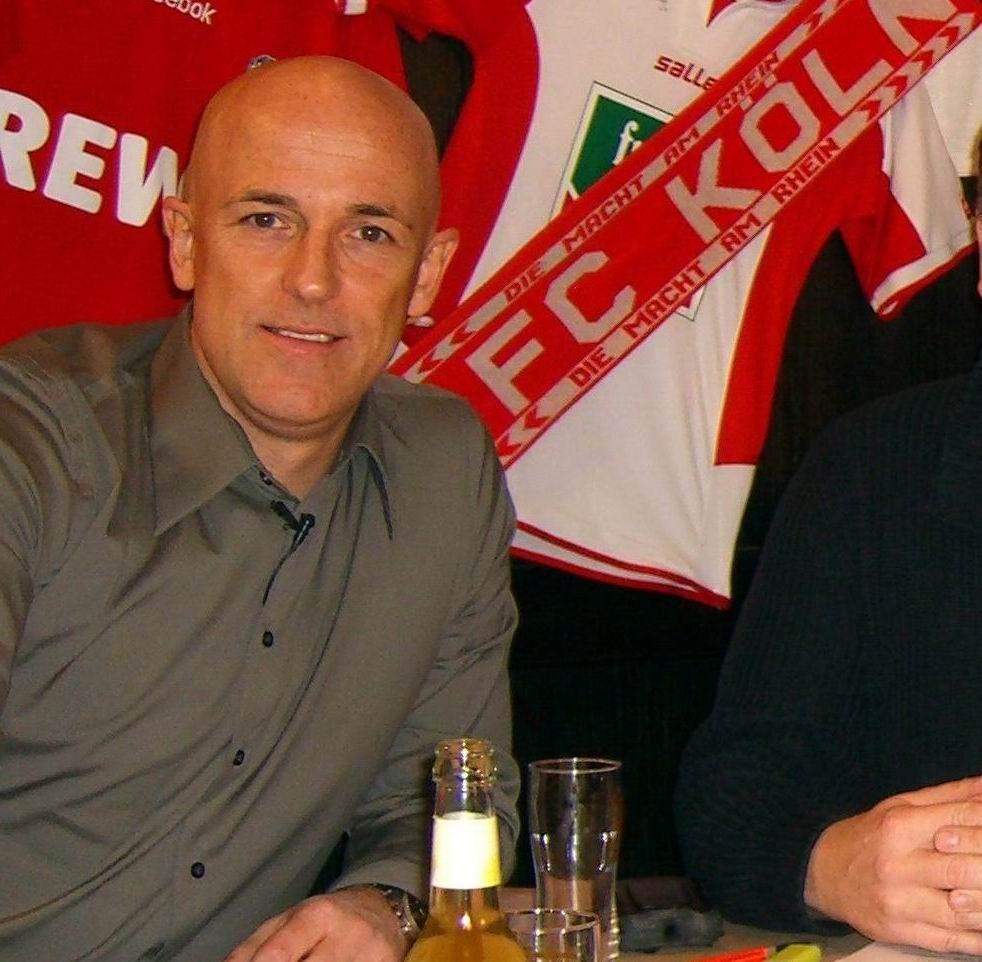 Karsten Baumann war lange FC-Spieler und hat immer ein Auge auf seinen Ex-Verein