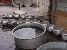 手洗いで丁寧に糠を落とし、限定給水。