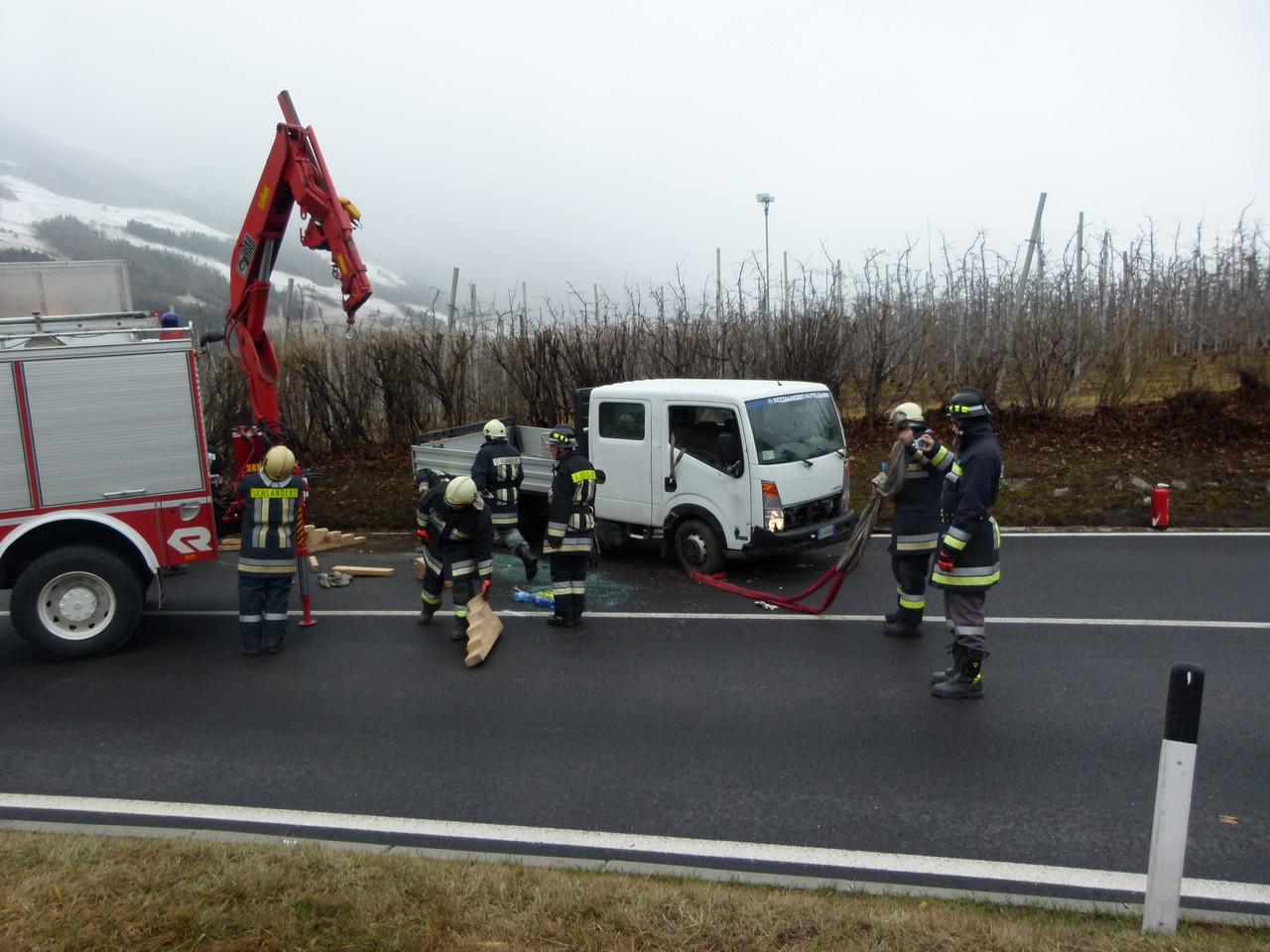 Klein LKW-Unfall Honskurve bei Kortsch