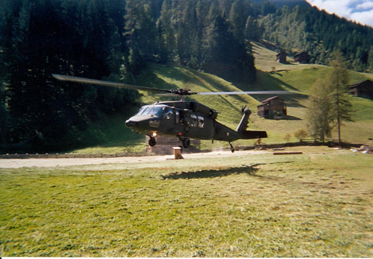 Einsatz mit Black Hawk's des Österreichischen Militärs