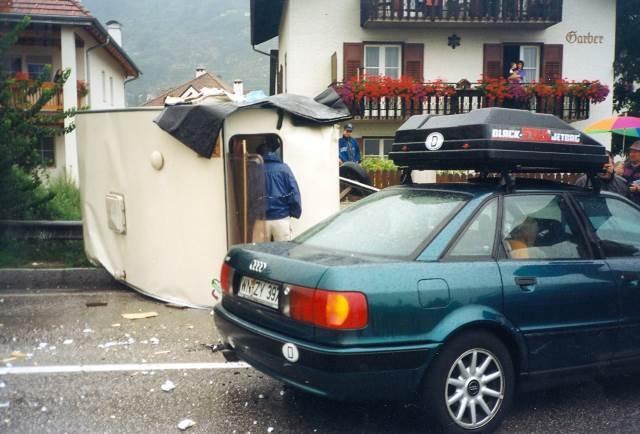 Unfall mit Camper Umfahrung Schlanders