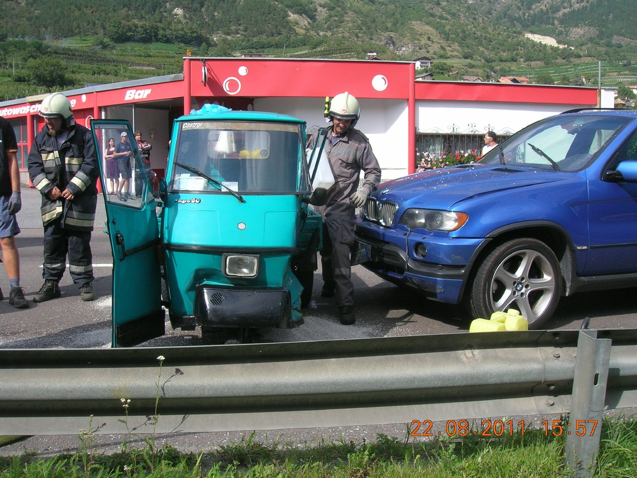 Schwerer Unfall mit Dreirad Service Station